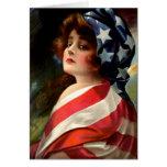 Señale a señora por medio de una bandera Vintage A Felicitación
