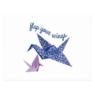 Señale sus alas por medio de una bandera tarjeta postal