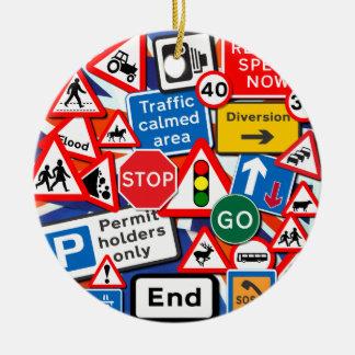 Señales de tráfico adorno navideño redondo de cerámica