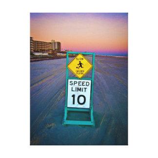 Señales de tráfico de la playa en Daytona Beach en Impresión De Lienzo