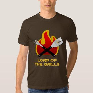 Señor de la camisa de las parrillas