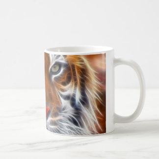 Señor de las selvas indias, el tigre de Bengala Taza Básica Blanca