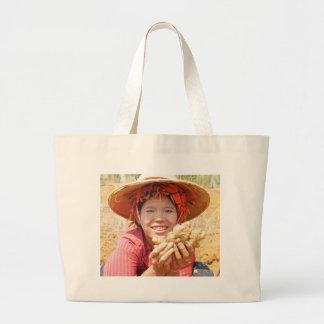 Señora birmana Picking Ginger Bolsa Tela Grande