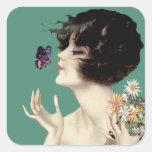 Señora Butterfly Pretty Flowers del art déco del v Calcomania Cuadradas Personalizada