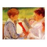 Señora Cassatt Reading de Maria Cassatt- a los nie Postal