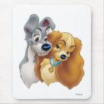 Señora clásica y el vagabundo Snuggling Disney Mousepad
