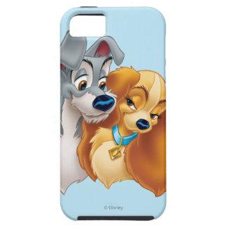 Señora clásica y el vagabundo Snuggling iPhone 5 Case-Mate Protectores