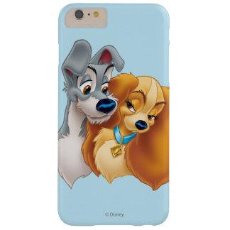 Señora clásica y el vagabundo Snuggling Funda Barely There iPhone 6 Plus