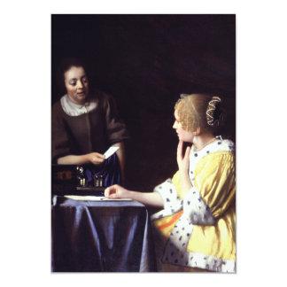 """Señora con el Maidservant que lleva a cabo la Invitación 5"""" X 7"""""""
