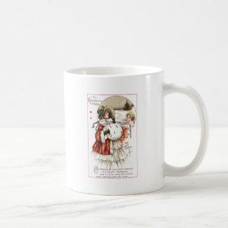 Señora con el manguito y el Cupid Taza De Café