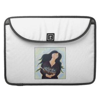 Señora con la cesta de pescados fundas macbook pro