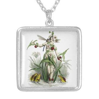 Señora con los pescados y la libélula joyerias personalizadas