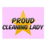 Señora de la limpieza orgullosa tarjeta postal