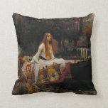 Señora de la pintura del Pre-Raphaelite del Almohadas