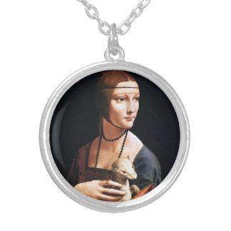 Señora de Leonardo da Vinci con un collar del armi