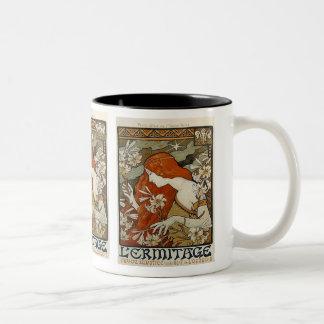 Señora de Nouveau del arte y taza de los lirios
