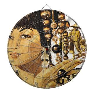 Señora de oriental del vintage tabla dardos