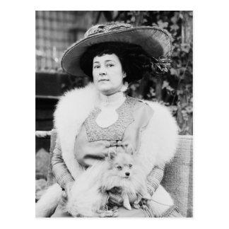 Señora de Pomeranian Postales