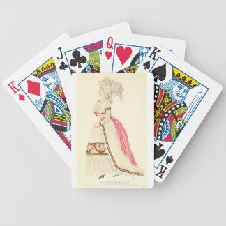 Señora del art déco - vestido hermoso que lleva baraja de cartas bicycle