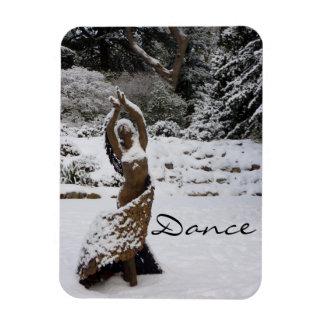 Señora del baile (estatua en la nieve) imán de vinilo