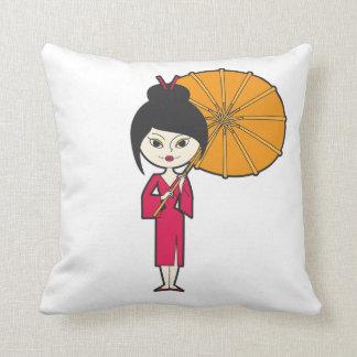Señora del geisha del dibujo animado cojines