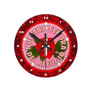Señora del Refugio Round Clock
