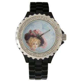 Señora del Victorian en esmalte del negro del Reloj