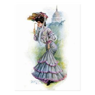 Señora del Victorian en vestido de la lavanda Postales