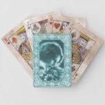 Señora del vintage en naipes azules baraja cartas de poker