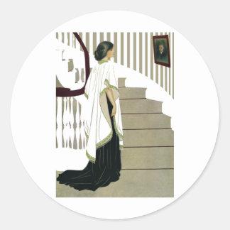 Señora elegante Ascends la escalera Pegatina Redonda