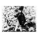 Señora Emmeline Pankhurst Addressing una Tarjetas Postales