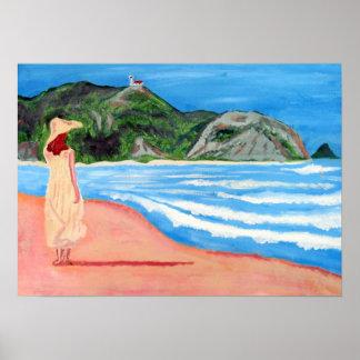 Señora en la impresión de la playa póster