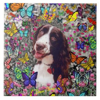 Señora en mariposas - perro del perro de aguas de azulejo cuadrado grande