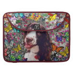 Señora en mariposas - perro del perro de aguas de  fundas para macbook pro