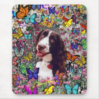 Señora en mariposas - perro del perro de aguas de alfombrillas de ratón