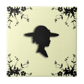 Señora en silueta del vintage del gorra de imagen azulejo cuadrado pequeño