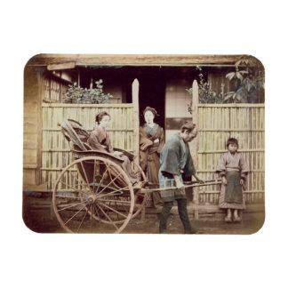 Señora en un carrito, c.1890s (foto coloreada) imanes rectangulares