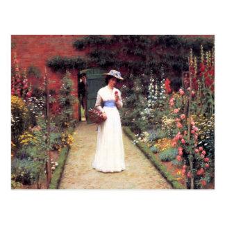 Señora en una postal del jardín