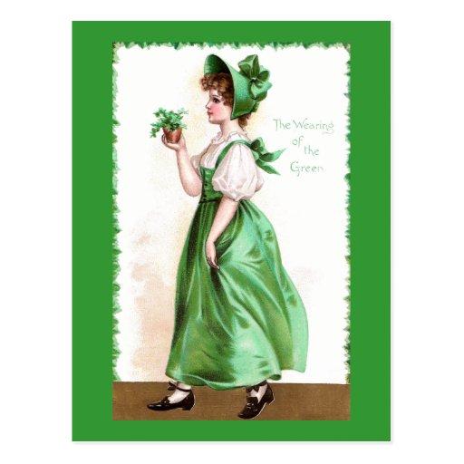 Señora en verde con el vintage St Patrick de los Postales