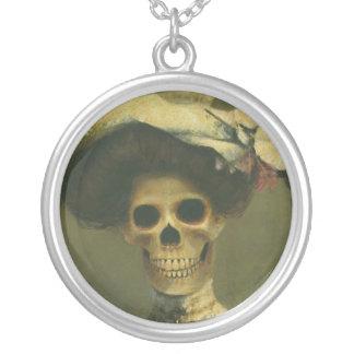 Señora esquelética gótica Necklace Colgante Redondo