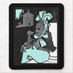 Señora esquelética y su cojín de ratón del perro alfombrillas de ratón