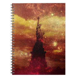 Señora estrellas rojas y amarillas de Liberty Libro De Apuntes Con Espiral