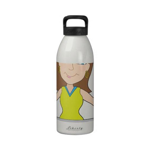 Señora feliz del ordenador portátil botella de agua reutilizable