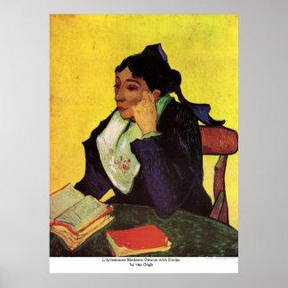 Señora Ginoux de L Arlesienne con los libros de Va Posters