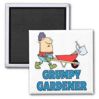 señora gruñona divertida del jardinero imán de frigorífico