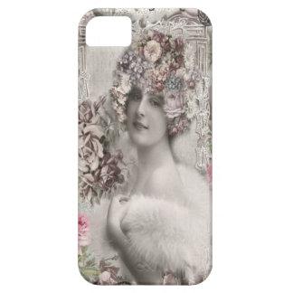 Señora hermosa del vintage con las joyas y las funda para iPhone SE/5/5s