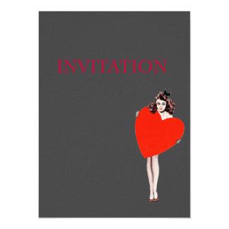 Señora Holding Love Heart del vintage Invitaciones Personalizada