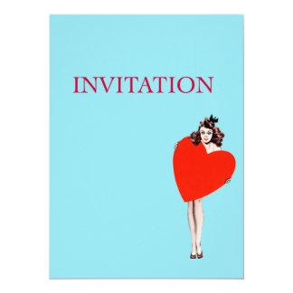 Señora Holding Love Heart del vintage Invitacion Personalizada