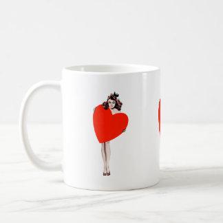 Señora Holding Love Heart del vintage Tazas De Café