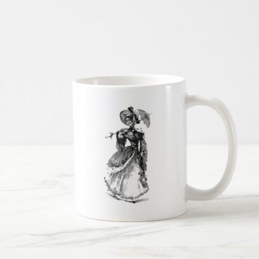 Señora joven hermosa taza básica blanca